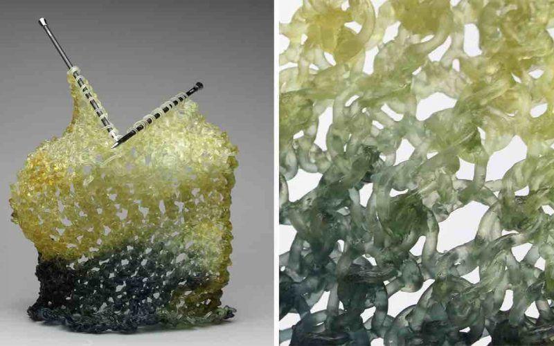 sculptures en verre tricotées
