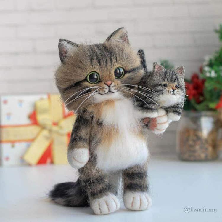 Chats en feutre par Elizabeth Delektorskaya