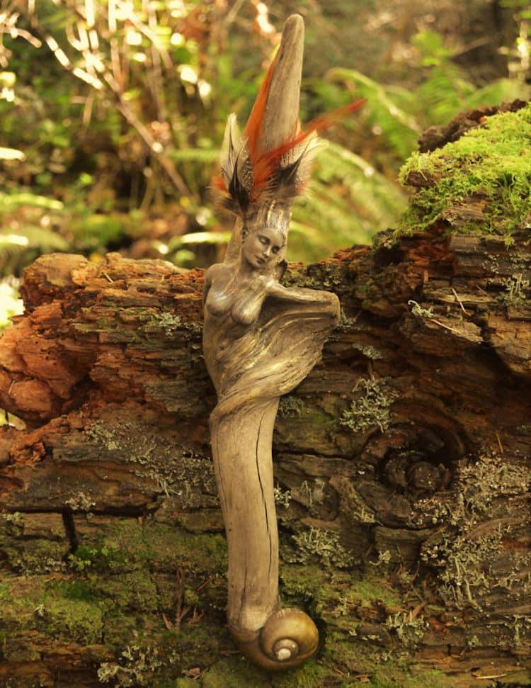 bois flotté en sculptures fantastiques